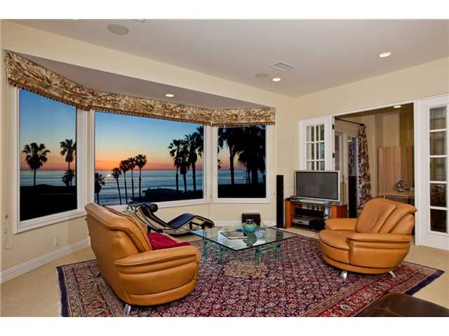 6474 Avenida Cresta, La Jolla, California 92037, 6 Bedrooms Bedrooms, ,5 BathroomsBathrooms,Home,Sold,Avenida Cresta,1019